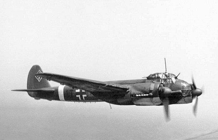 Bundesarchiv Bild 101I-363-2258-11, Flugzeug Junkers Ju 88